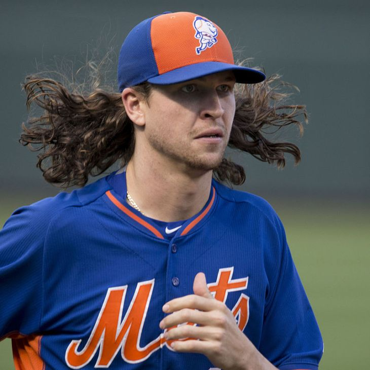 Jacob_deGrom_(20100680973)_square_crop